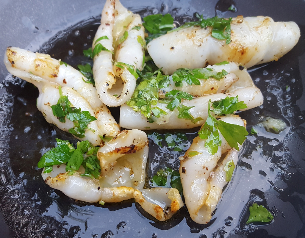 Grilled squid with garlic & parsley