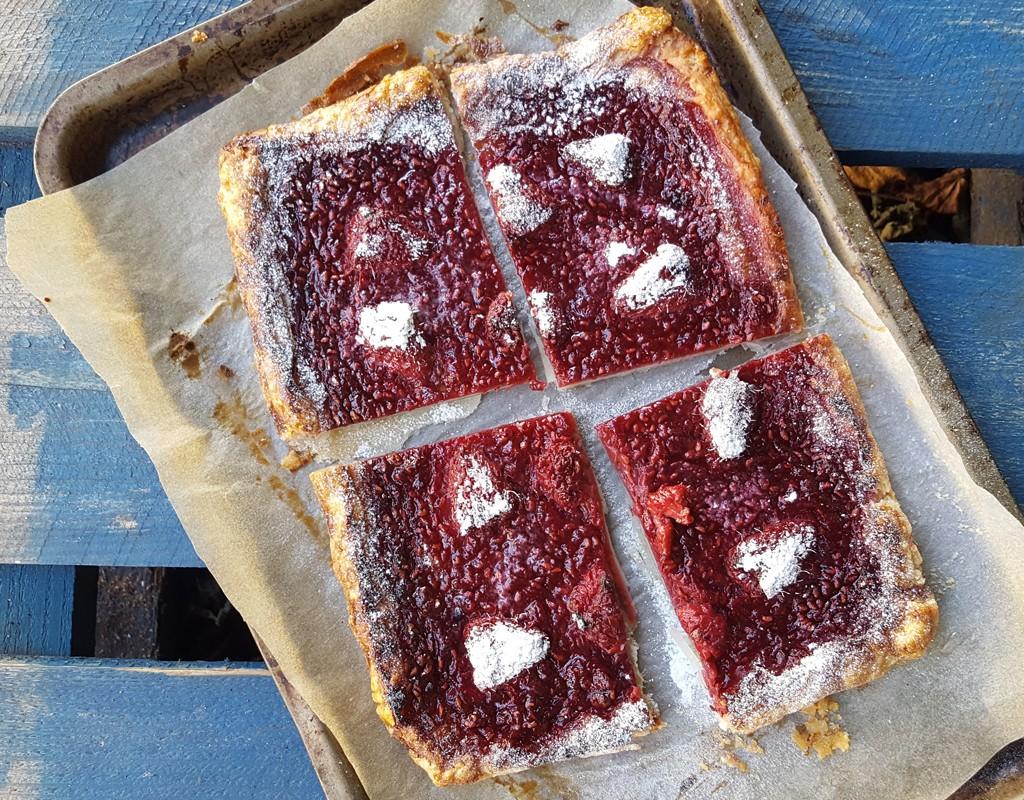 Raspberry puff pastry tart