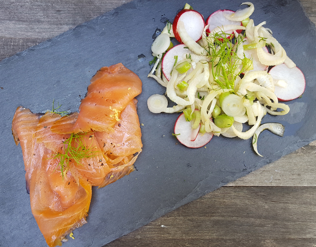 Smoked salmon with fennel & radish salad