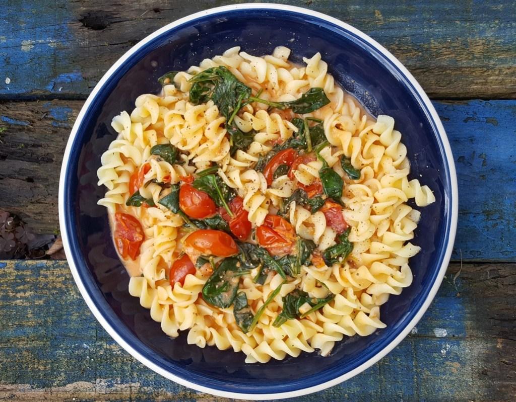 Tomato, Mascarpone and spinach pasta