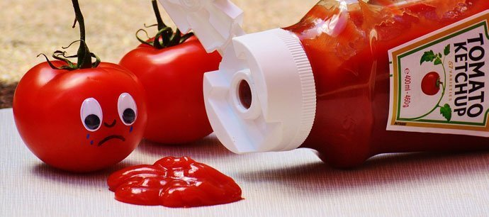 remove copper cookware stain with Ketchup