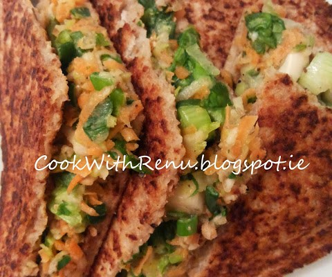 Zucchini, Carrot and Spring Onion Vegetable Sandwich