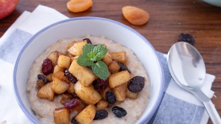 乾果蘋果燕麥粥早餐食譜