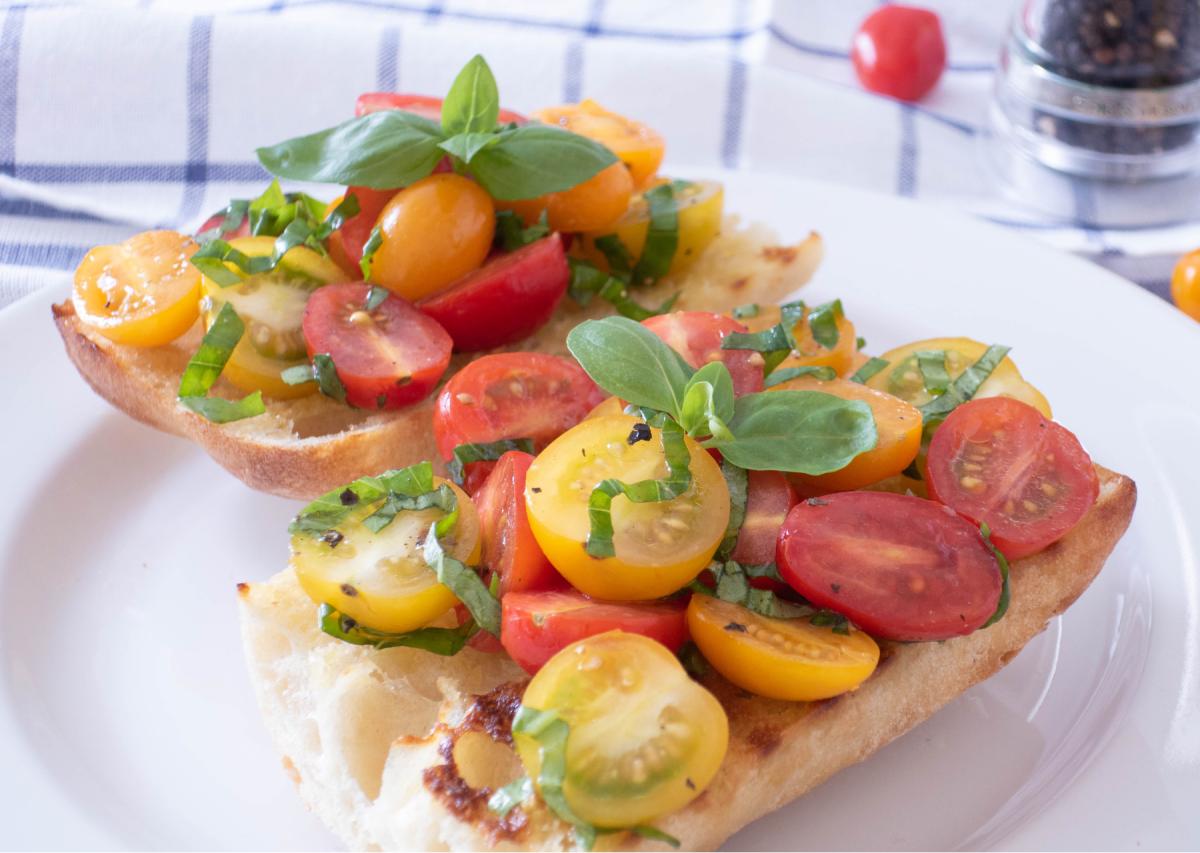 Cherry Tomato Bruschetta : Refreshing and Delicious Vegan Breakfast Recipe