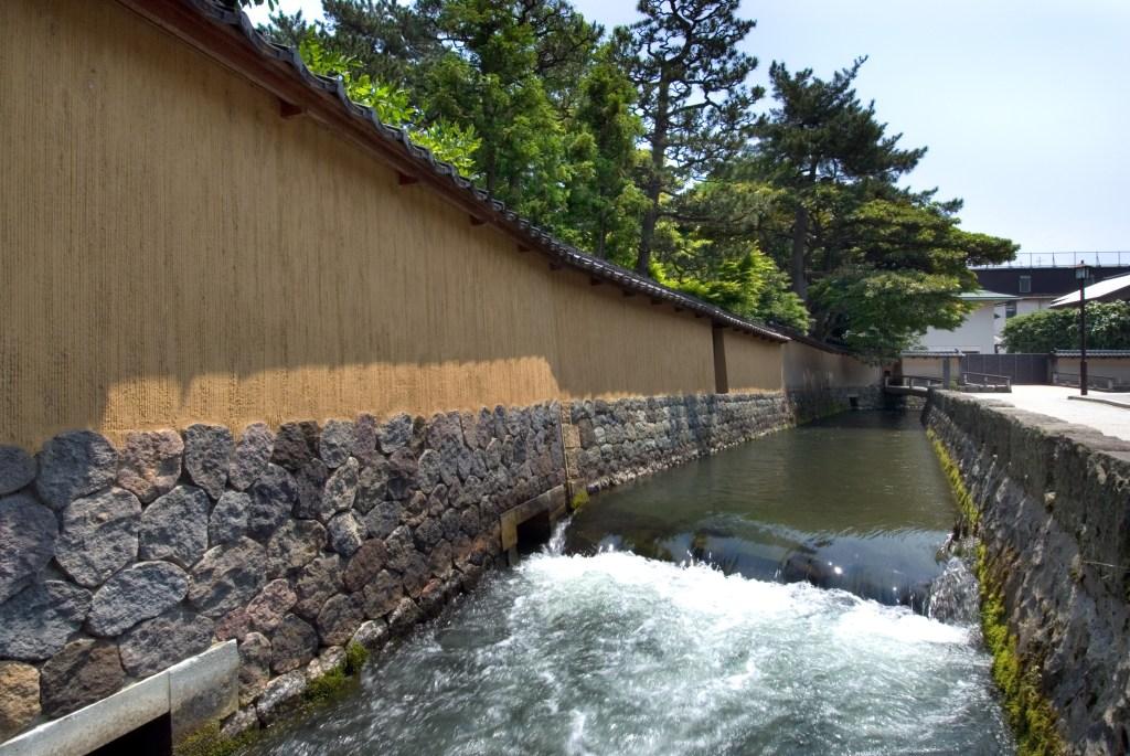 金沢武家屋敷跡の用水