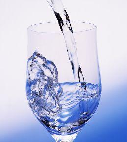 水を飲めばダイエットできる?