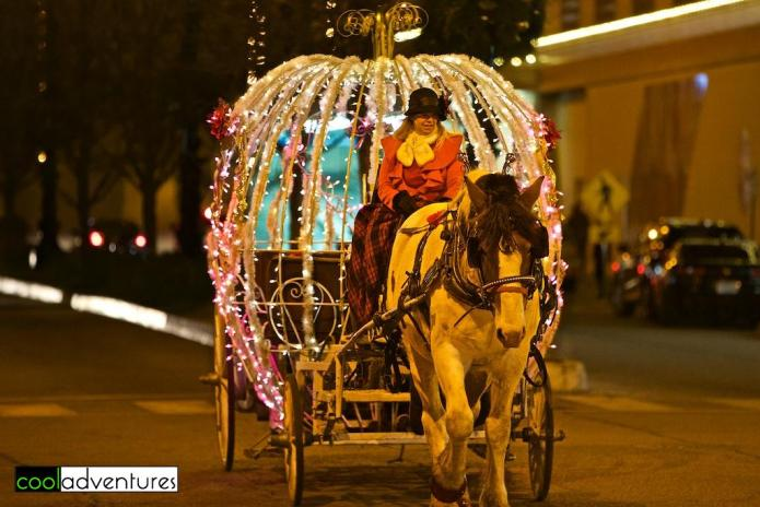 Carriage rides at The Plaza in Kansas City Photo: Kim Hull © Chasing Light Media
