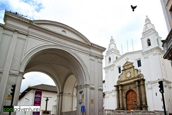 Things to do in Quito: El Arco de la Reina