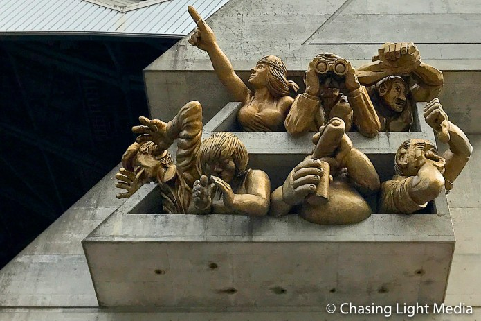 """The Audience"" sculpture at Rogers Centre, Toronto"