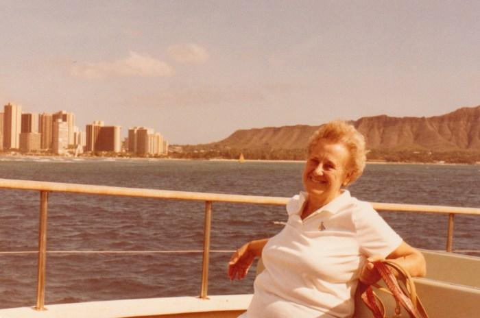 Eleanor Baird in Hawaii with Kimberli and Greg Hull, 1981