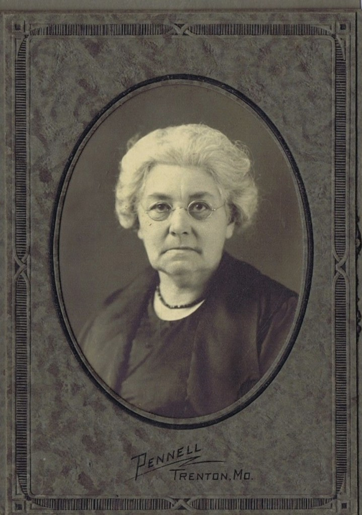 Winifred Hooper family photos-older woman