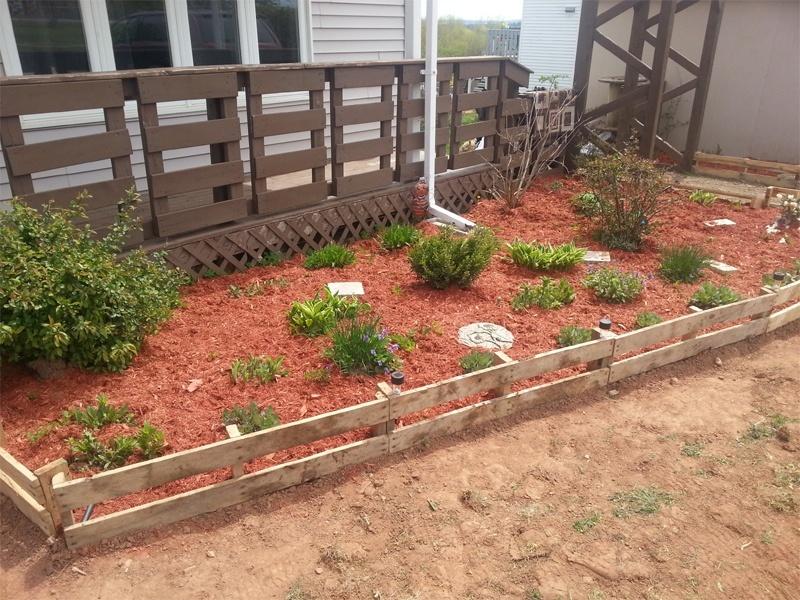 30+ DIY Garden Bed Edging Ideas on Backyard Border Ideas id=33008