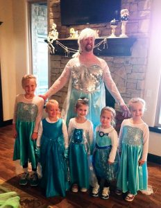 father-daughter-halloween-costumes-ideas-9-5805dd60d7a46__605