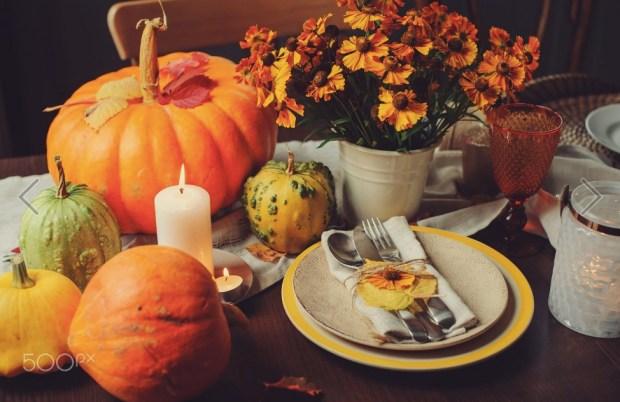 autumn-traditional-seasonal-table-setting-at-home
