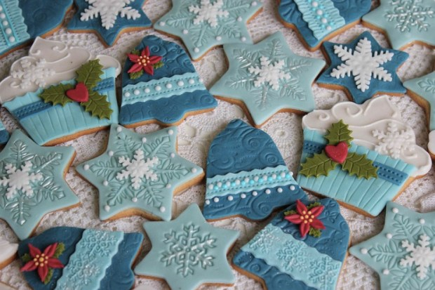 shades-of-blue-christmas-cookies