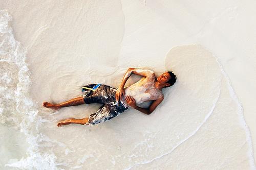 Relaxing in Maldives by nattu