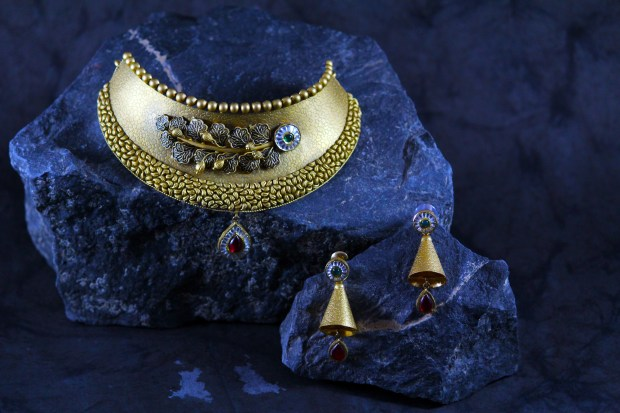 Vintage Jewellery Collections1