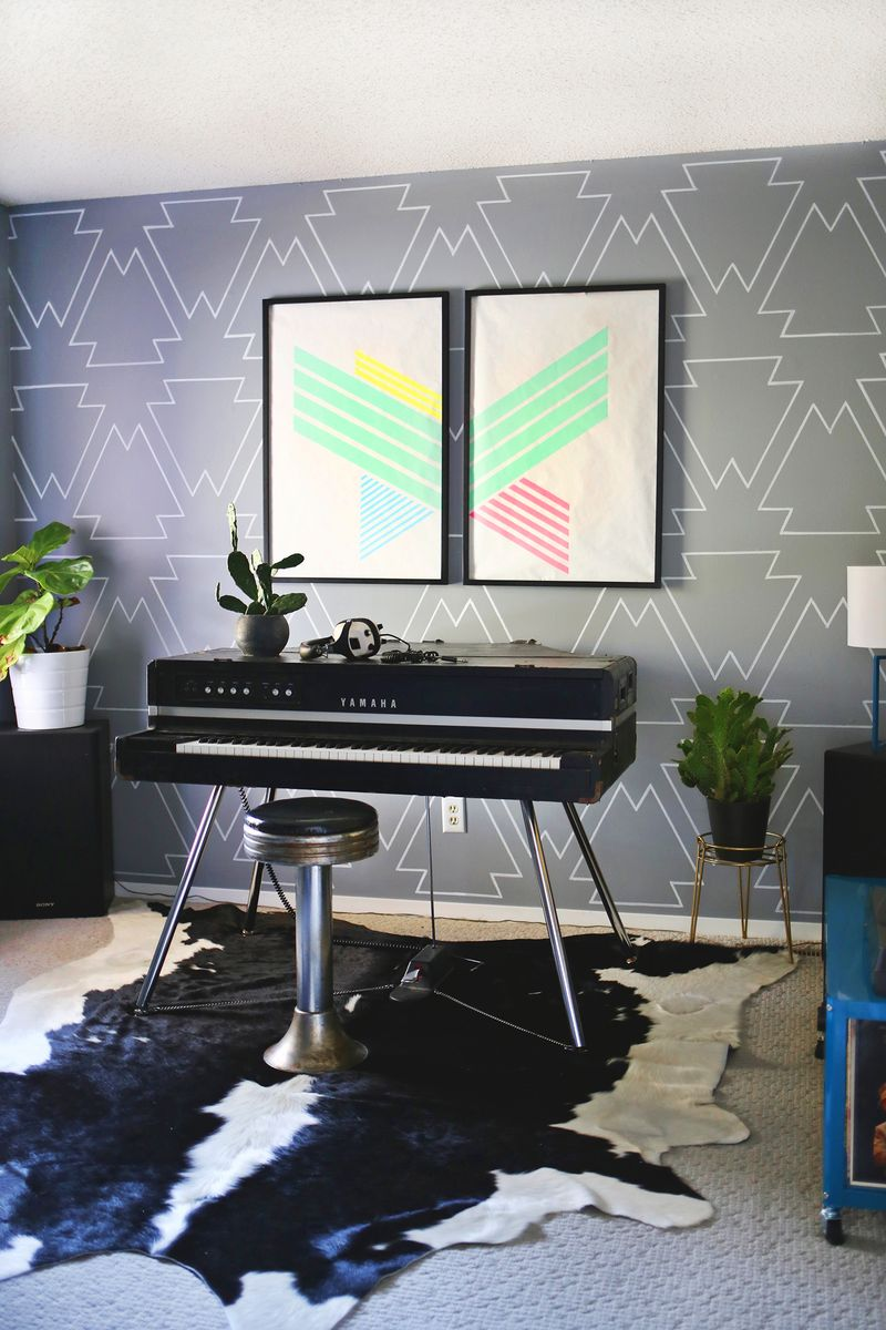 11 Creative Ideas to Fill a Blank Wall on a Tiny Budget on Creative Wall  id=59994