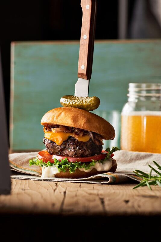 Cheeseburger with onion jam