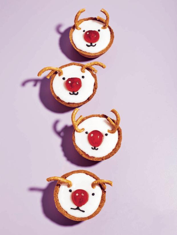 Reindeer Bakewell Tarts