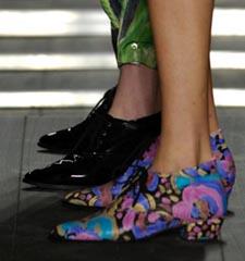 shoesNeon2.jpg