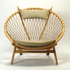 hans_j_wegner-circle_chair_pp130.jpg