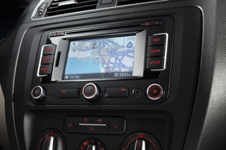 jetta-touchscreen.jpg