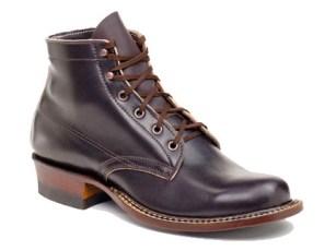 White-boots.jpg