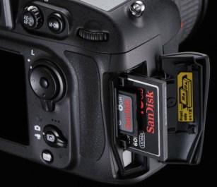 D800_Slot_CF_SD.jpg