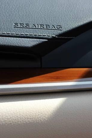 Lexus-ES300H-3c.jpg