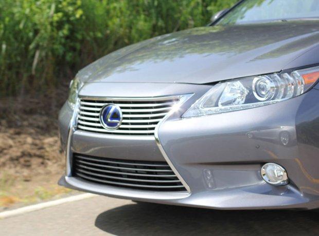 Lexus-ES300H-5.jpg