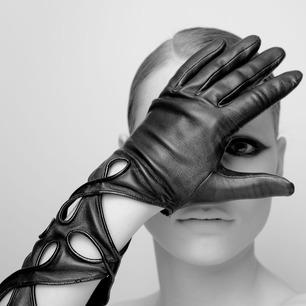 thomasine-gloves-2.jpg