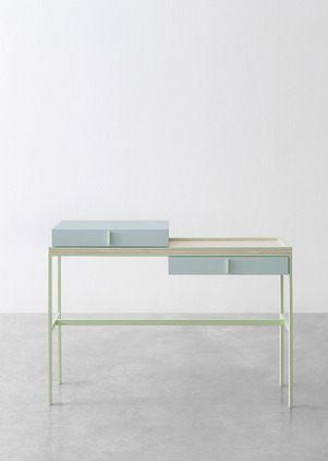 flamingo-table-marco-guazzini.jpg