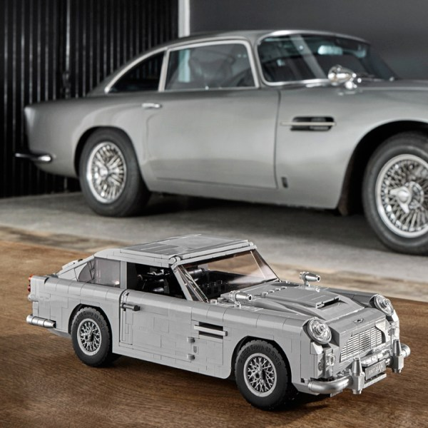 Lego S Replica Of James Bond S 1964 Aston Martin Db5 Cool Hunting