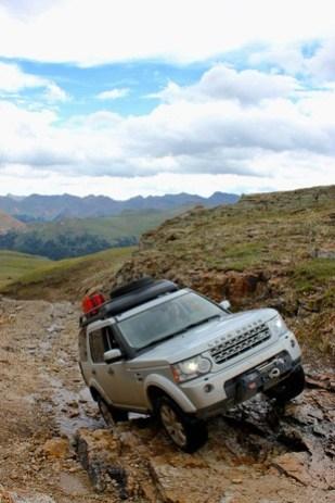 Land-Rover-Exped-USA-rockfall.jpg