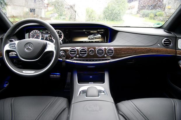 Mercedes-AGM-dash.jpg