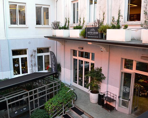 Moto-quartiere-courtyard-1.jpg