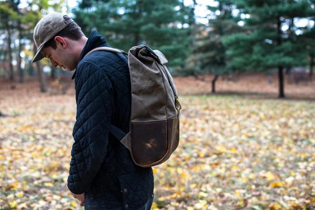 demploi-backpack-1.jpg