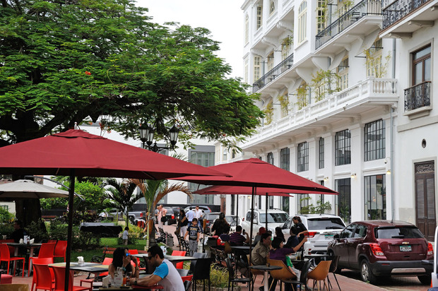 american-trade-hotel-ace-plaza2.jpg