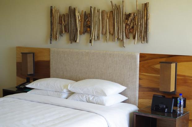 Andaz-bedroom.jpg