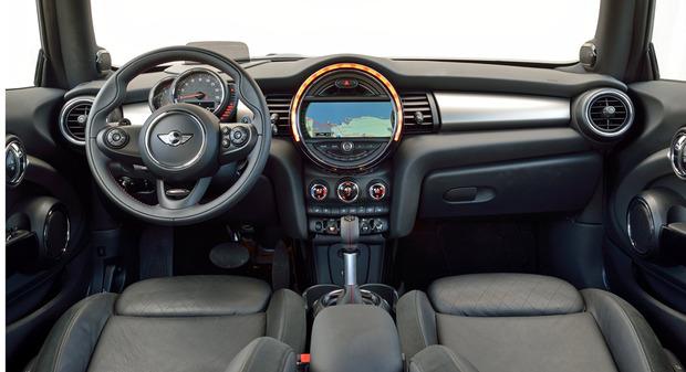 test-drive-2014-mini-cooper-hardtop-interior.jpg