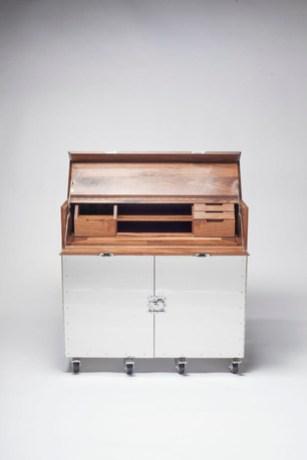 Naihan-desk-2.jpg