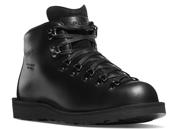blacked-out-boots-danner-wings-horns-2.jpg