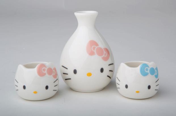 hello-kitty-40th-sake-set.jpg