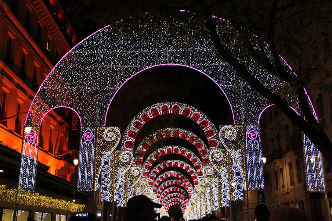 2014-festival-of-lights-fetes-lumieres-7.jpg