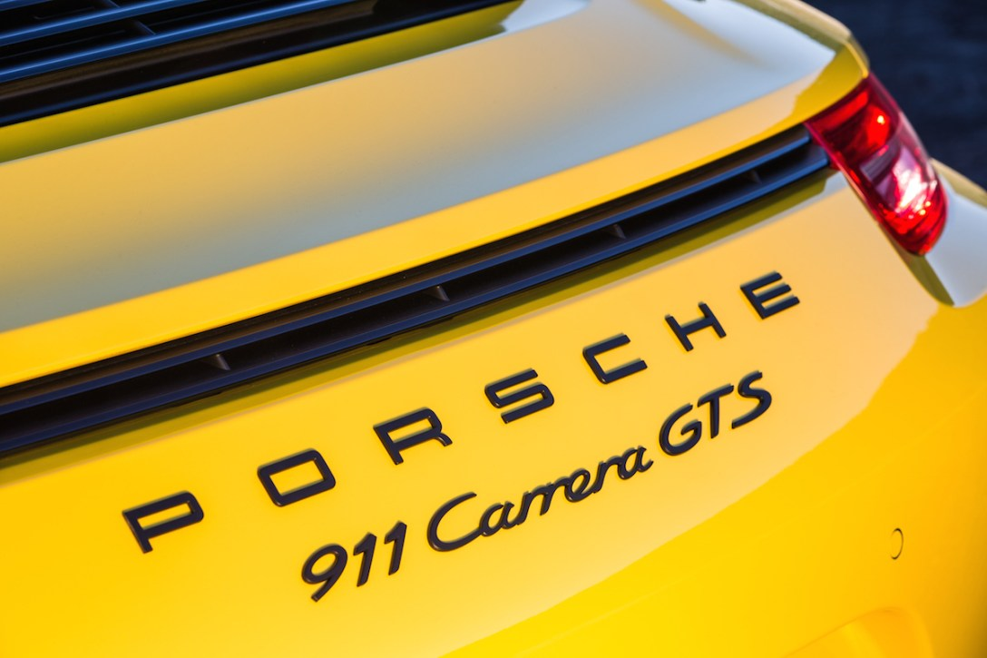 2015-porsche-carrera-gts-2.jpg