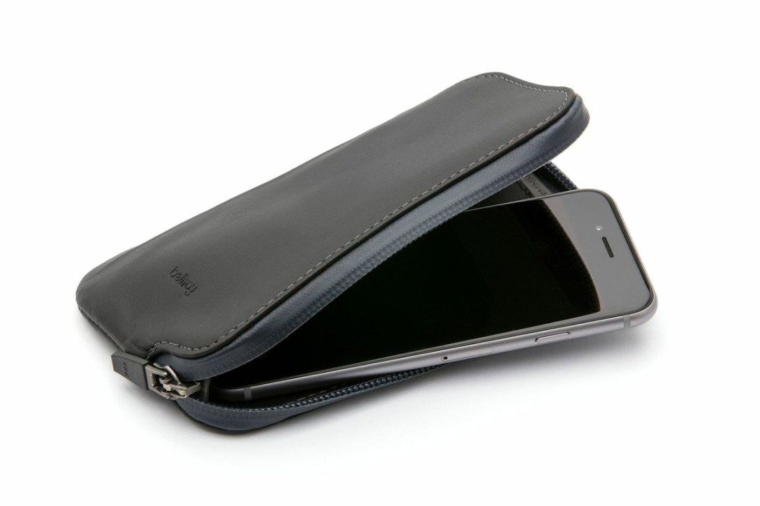 bellroy-element-phone-wallet-1.jpg