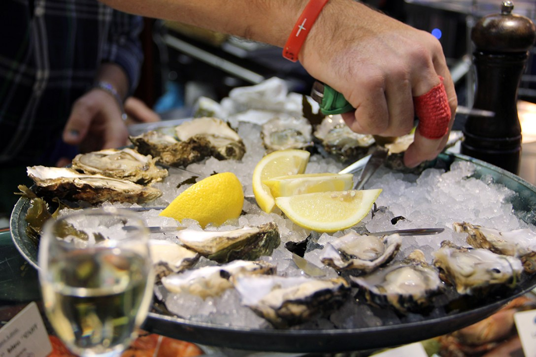 word-of-mouth-lyon-guide-les-halles-oysters.jpg