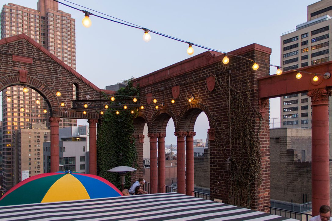 pod-39-hotel-bar-rooftop.jpg