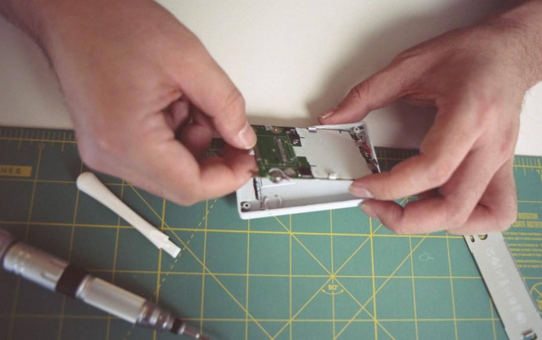 the-light-phone-process-kickstarter.jpg